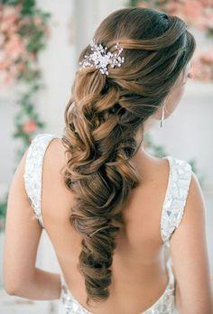 Lindíssima trança falsa! <3 #penteadodenoiva #lookdanoiva #casamento #casare #sitesdecasamento #sitedosnoivos #lindodoseujeito #listadepresentesvirtuais #cotasdeluademel #omaiselegante