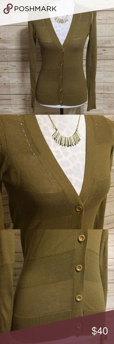 Madewell Wallace Mixed Stitch Cardigan Excellent used condition cardigan by Wallace (Madewell) features stylish gold buttons, a mixed stitch in a stripe pattern, and the perfect olive color for fall. Fitted style. True to size XS.  V-neckline. Long sleeves. No snags, tears, pilling, stains, rips or any other damage. Madewell Sweaters Cardigans