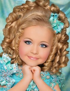 Photo of Glitz t&t for fans of toddlers and tiaras.