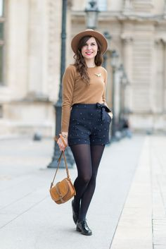 Navy Shorts Outfit, Winter Shorts Outfits, Tights Outfit Winter, Navy Dress Outfits, Black Tights Outfit, Casual Fall Outfits, Cool Outfits, Summer Outfits, Fashion Outfits