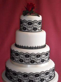 Finta torta bianca e nera