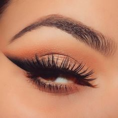 At first glance, this cat-eye looks like a simple extension of those faux lashes — but it's really the contrast between its sharp lower edge and smoked-out upper edge that distinguishes it from the rest. #refinery29 http://www.refinery29.com/2016/12/131963/crazy-instagram-eyeliner-trends-2016#slide-10