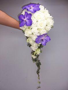 brudebukett lilla sølv - Google Search Our Wedding, Dream Wedding, Wedding Ideas, Wedding Things, Cascading Wedding Bouquets, Girly Things, Girly Stuff, Under The Stars, Bridal