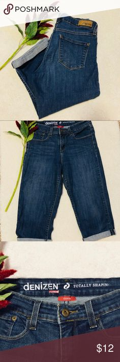 eef3bcec Shop Women's Levi's Blue size 8 Ankle & Cropped at a discounted price at  Poshmark. Description: Denizen from Levi's Modern Straight Leg Cropped Jeans .