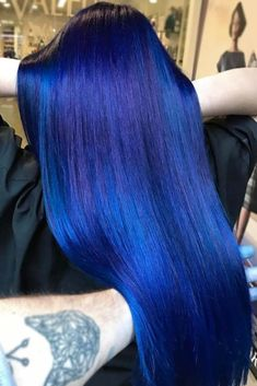 38 Ethereal Looks With Blue Hair Read on to discover trendy and unconventional light-blue dark-blue electric blue blue-green blue-purple hair color variations. Hair Color Dark Blue, Blue Hair Black Girl, Blue Purple Hair, Ombre Hair Color, Cool Hair Color, Pastel Blue, Blue Green, Navy Blue, Violet Hair