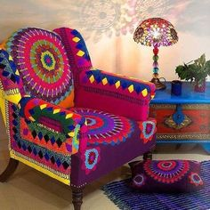 7 Energetic Tips AND Tricks: Home Decor Blue Interior Design cute home decor ideas.Simple Home Decor Scandinavian french home decor farmhouse style.Home Decor Accessories Apartment Therapy. Funky Home Decor, Hippie Home Decor, Bohemian Decor, Boho Chic, Funky Furniture, Unique Furniture, Painted Furniture, Indian Bedroom Decor, Funky Chairs