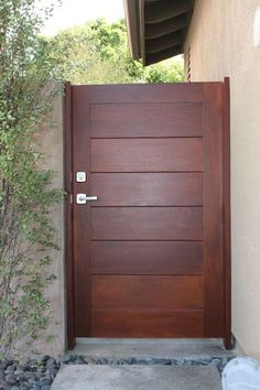 Side Yard Gate | Door & Trim installation in Orange County, Los Angeles, San Diego, and Riverside Counties since 2003