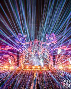 "Untoldfestival was magic 🐺✨ #Untold2018"" Follow for more: @agustinroyster Festival Photography, Video Photography, Photography Ideas, Lollapalooza, Coachella, Edm, Ibiza, Untold Festival, Concert"