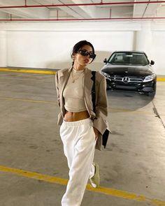 Nyc Fashion, Daily Fashion, Autumn Fashion, Fashion Looks, Fashion Outfits, Trendy Outfits, Cool Outfits, Summer Outfits, Dress Like A Parisian