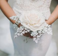 Such a beautiful #bouquet by @frankreaeventdesigns 🌸💐🌸 #rp @strictlyweddings . . . . . . #weddings #inspiration #igers #ido #instagood #bride #bridalinspiration #flowers #florists #bridalflowers #flowerlovers #floraldesign #fallbride #bridetobe #futuremrs #bridalideas