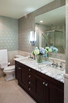 BORN AND BREAD: Wild Wallpaper #bathroom