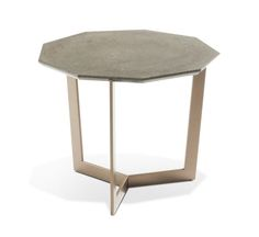 NOVAE END TABLE design Daniel Rode  Cocktail table with polygonal top in Venato Gioia (white) marble. 3-legged base in chrome-plated steel or matte lacquer finish (many colors available).  Dimensions: H. 44 x ø 54 cm