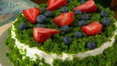 Mechový dort — Polopatě — iVysílání — Česká televize Acai Bowl, Cupcakes, Breakfast, Food, Acai Berry Bowl, Morning Coffee, Cupcake Cakes, Essen, Meals