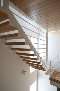 Modern staircase - metal - wood - elpidaroussou