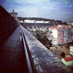 Walking along the Água Livres Aqueduct / #Lisbon #Portugal / #architecture #history #citylife #engineering