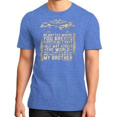 Fashions alwaysbrother District T-Shirt (on man)