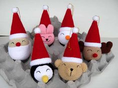 Free Christmas Crochet Patterns Theme Noel, Crochet Ornament Patterns, Crochet Christmas Ornaments, Christmas Knitting, Holiday Crochet, Crochet Gifts, Crochet Toys, Free Crochet, Ravelry Crochet