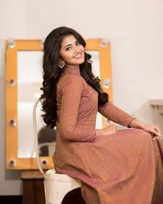 Anupama Parameswaran (aka) Anupama photos stills & images Stylish Girls Photos, Stylish Girl Pic, Most Beautiful Indian Actress, Beautiful Actresses, Harley Davidson, Beauty Crush, Tamil Girls, Anupama Parameswaran, Beautiful Girl Image