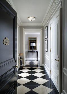 St Regis Hotel New York, checkered floor design. Black And White Interior, Black And White Tiles, Black White, White Marble, Black And White Flooring, Black Milk, Floor Design, House Design, Ceiling Design