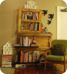 wooden crate diy book shelf