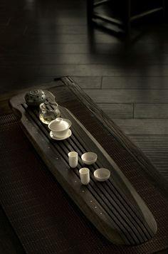 现代设计感的陶瓷器皿