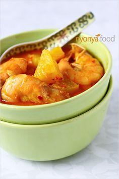 Udang Masak Lemak Nenas (Pineapple Prawn Curry)