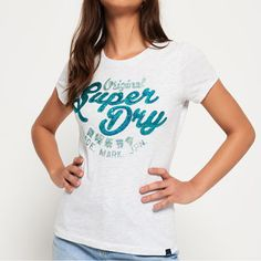 ★Superdry極度乾燥のロゴをスパンコールで仕上げたキラキラが特徴のTシャツ