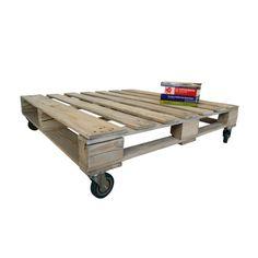 Mesa de centro pallet con ruedas de suave color blanco, ideal para dar un toque rústico en tu living o terraza.Material : madera de pallet recicladoMedidas: La 110 cm An 110 cm Al 30 cmNota: no trae vidrio