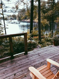 Haus am See Beautiful Homes, Beautiful Places, House Beautiful, Beautiful Beautiful, Beautiful Interiors, Haus Am See, Cabins And Cottages, Log Cabins, Cabins In The Woods