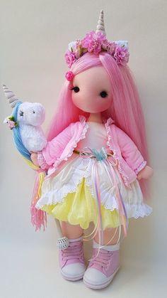 Felt Crafts Dolls, Sock Crafts, Doll Clothes Patterns, Doll Patterns, Child Doll, Waldorf Dolls, Fairy Dolls, Soft Dolls, Diy Doll