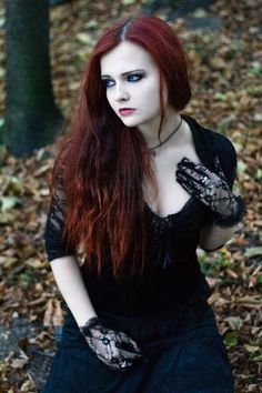 Love this simple goth look! More at www.DarkRealmz.com #gothic #alternative
