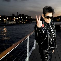 Zoolander 2 (2016) photos, including production stills, premiere photos and other event photos, publicity photos, behind-the-scenes, and more.