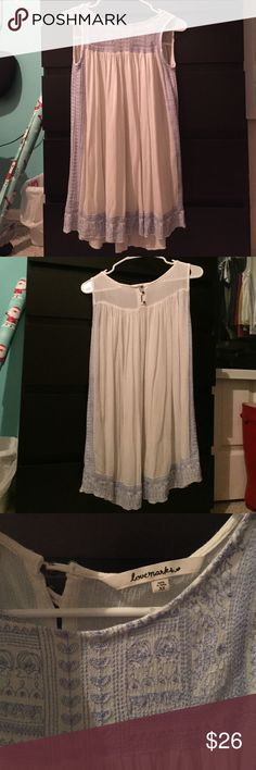 """Cover-Up Dress so cute & flowy! white & light blue stitching, meant to be a beach cover up but if you wear with a slip it can be a normal dress... does run small, i'm 5'9"""" & it is too short for me to be a dress (from dillards) Urban Outfitters Dresses"""
