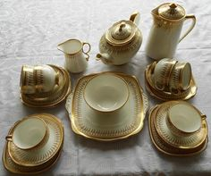 English - Royal Albert Crown China Teaset for sale in Brits (ID:136460892)