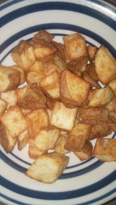 Air fried potatoes  Cut washed potato into cubes and put in a bowl.  Coat with a teaspoon or so of oil.  Season to taste.  Air fry for 10 minutes at 392 F.  Shake air fryer basket.  Air fry for an additional 3 minutes.  Yum!