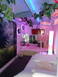 97 Amazing Beautiful Aesthetic Bedroom - Old beds carved with designs create a majestic ambiance within the space. Neon Bedroom, Room Ideas Bedroom, Bedroom Decor, Bedroom Signs, Bedroom Inspo, Girls Bedroom, Dream Rooms, Dream Bedroom, Chill Room