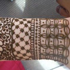 The geometric fills!  #henna cuff