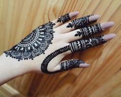 Very Simple Mehndi Designs, Mehndi Designs Front Hand, Palm Mehndi Design, Basic Mehndi Designs, Full Hand Mehndi, Indian Mehndi Designs, Stylish Mehndi Designs, Mehndi Design Pictures, Bridal Henna Designs
