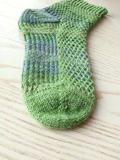Pelophylax. Water frog. Toe up. Socks free on ravelry.