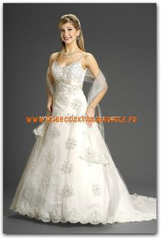 Romantic Bridals Robe de Mariée - Style 6814