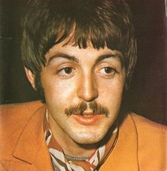 Mary McCartney and Lee Starkey Beatles Books, Beatles Love, Patti Harrison, Mary Mccartney, Beatles Sgt Pepper, Classic Rock Bands, Julian Lennon, Sir Paul, Eyebrows On Fleek