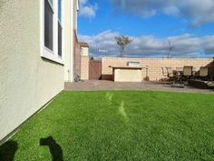 Stop window reflection from burning artificial turf, vinyl siding, natural grass and more. Turf Guard is a artificial grass and vinyl siding melting solution.