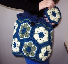 Ravelry: Project Gallery for African Flower Purse pattern by Darlisa Riggs