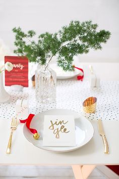 How To: Throw the Perfect Holiday Fête in Five Steps - courtesy of Kelli Hall for Minted's blog Julep