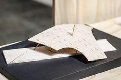 Galería de 'Arquitectura reflexiva' en torno a la madera: 10 arquitectos y estudiantes exhiben sus obras en Puerto Montt, Chile - 30 Form Architecture, Outdoor Furniture, Outdoor Decor, Sun Lounger, Home Decor, Design, Architectural Firm, Architects, Wood