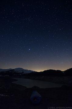 Sky photography: night stars sky stars Lake Roselend Lake Mountain Beaufortain Savoie Mountain Alps France Source by pintaroute Star Night Light, Night Sky Stars, Sky Full Of Stars, Star Sky, Night Skies, Mountain Photos, Lake Mountain, Night Photography, Landscape Photography