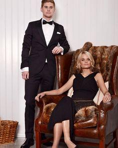 Med Nordens största utbud av kostymer hittar du garanterat kostymen för nyår hos oss. Välj också bland klänningar från välkända varumärken som…