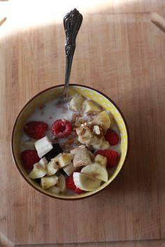 Breakfast Bowl   Engine 2 Diet, Fiber, vegan, plant based, fruit http://saplingvegan.wordpress.com/2013/12/02/fiber/