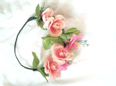 Half-way crown made with gentle pink flowers