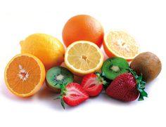 #Frutas, ácidas y fuera de las comidas «Si las tomas después de la comida, suman sus azúcares, que al ser de absorción rápida, se transforman inmediatamente en grasa por la subida de insulina. Sin embargo,antes de las comidas tienen efecto saciante, por su alto contenido en agua y fibra y, además, reducen el apetito», según el Dr. Jiménez Ucero. El kiwi, la piña, el melón y la sandía tienen menos azúcares.#dieta